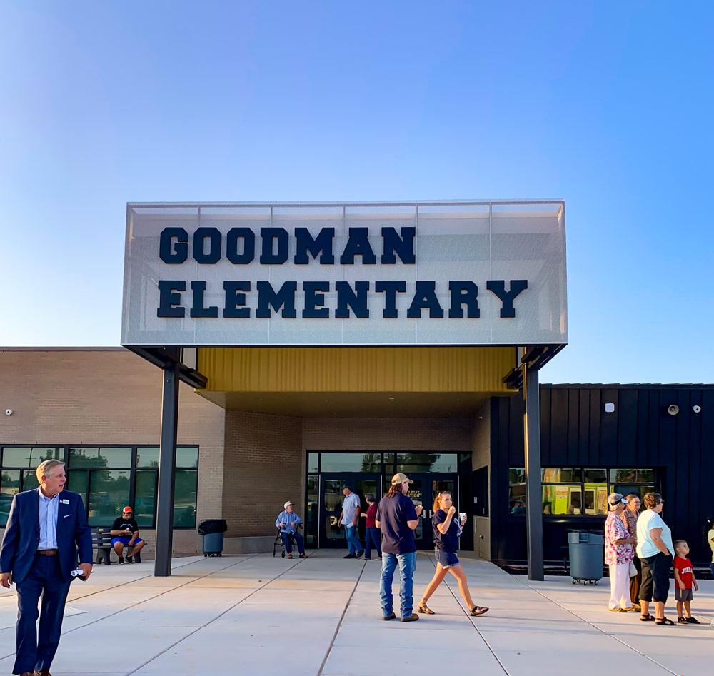 Front facing Photo of Goodman Elementary school